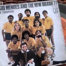 Discos de vinil: SINGLE ( VINILO) DE SERGIO MENDES & BRASIL 77 AÑOS 70. Lote 190571257