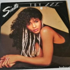 Disques de vinyle: SINITTA - TOY BOY - 1987. Lote 190896605