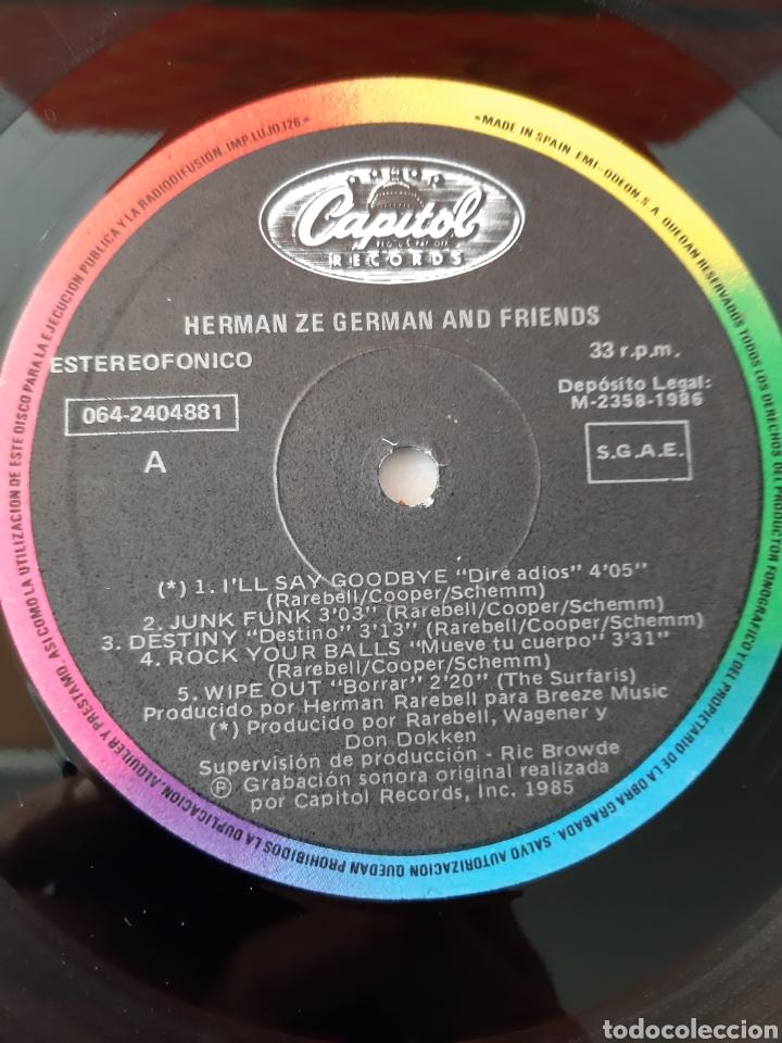 Discos de vinilo: HERMAN ZE GERMAN AND FIRENDS. BATERIA DE SCORPIONS. CAPITOL. 1986. ESPAÑA. - Foto 3 - 190900397