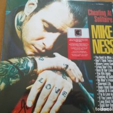 Discos de vinilo: MIKE NESS CHEATING AT SOLITAIRE 2XLPS GATEFOLD ¡¡PRECINTADO¡¡. Lote 288732708