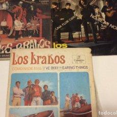 Discos de vinilo: LOS BRAVOS LOS TRES SINGLES CONSERVAN EL TRIÁNGULO . Lote 192096395