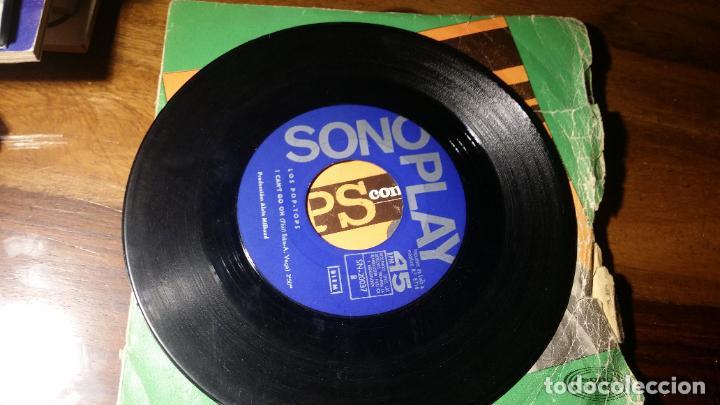Discos de vinilo: LOS POP TOPS-CON SU BLANCA PALIDEZ -I CAN,T GO ON-SONO PLAYÇMADRID 1967. - Foto 3 - 192181777