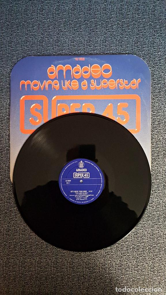 Discos de vinilo: Amadeo - Moving like a superstar/ Let´s move your body - MAXI SINGLE. año. 1.977. Hispavox - Foto 4 - 192674710