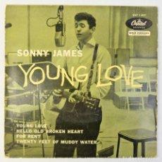 Discos de vinilo: SONNY JAMES - YOUNG LOVE + 3 - DISCO DE VINILO EP 1958. Lote 192717193