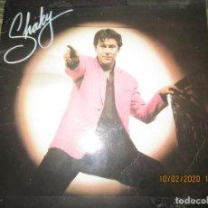 Discos de vinilo: SHAKIN STEVENS - SHAKY LP - ORIGINAL INGLES - EPIC RECORDS 1981 DISCO MUY NUEVO(5). Lote 193699720