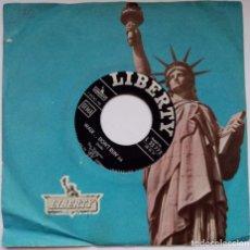 Discos de vinilo: THE VENTURES - WALK..DON'T RUN '64 / CRUEL SEA - SINGLE ALEMAN 1964 - LIBERTY. Lote 193737665