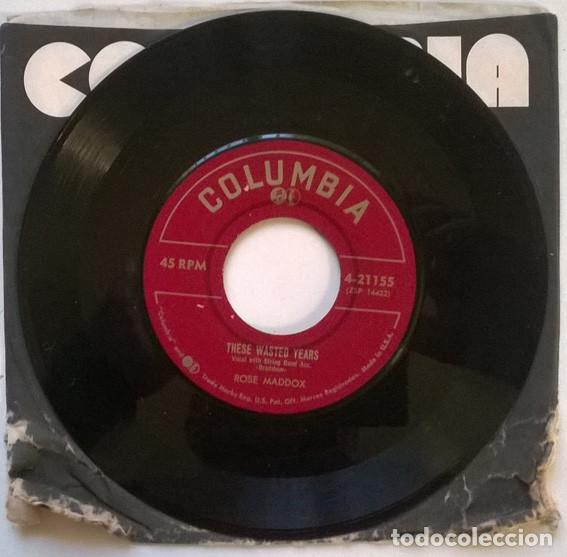 Discos de vinilo: Rose Maddox. These wasted years/ I'm a littlle red caboose. columbia 4-21155, USA 1953 single - Foto 3 - 193763541
