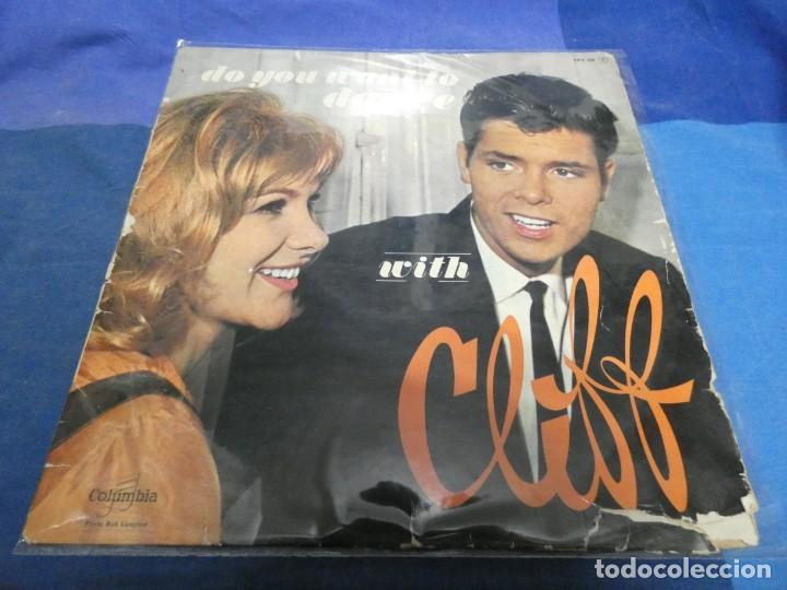 LP FRANCES MUY ANTIGUO DO YOU WANT TO DANCE WITH CLIFF RICHARD FPX 254 ACUSA MUCHO USO RARO (Música - Discos - LP Vinilo - Cantautores Extranjeros)