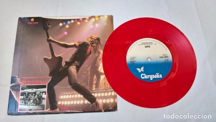 Discos de vinilo: MUSICA SINGLE:UFO - YOUNG BLOOD / LIGHTS OUT . SINGLE ROJO 1980 - Foto 2 - 194092208