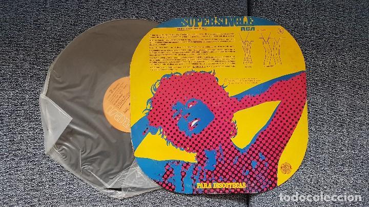 Discos de vinilo: The Ritchie Family - Life is music/Disco blues. Supersingle. editado por RCA. año 1.977 - Foto 2 - 194158072