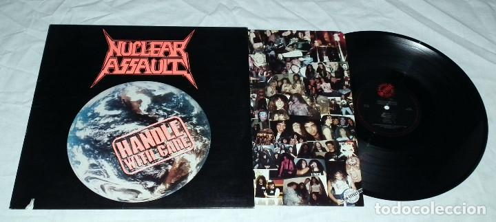 Discos de vinilo: LP NUCLEAR ASSAULT - HANDLE WITH CARE - Foto 3 - 194329945