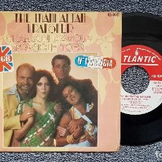 Discos de vinilo: THE MANHATTAN TRANSFER - CHANSON D´AMOUR / POSICLE TOES. SINGLE EDITADO POR HISPAVOX. AÑO 1.977. Lote 194340210