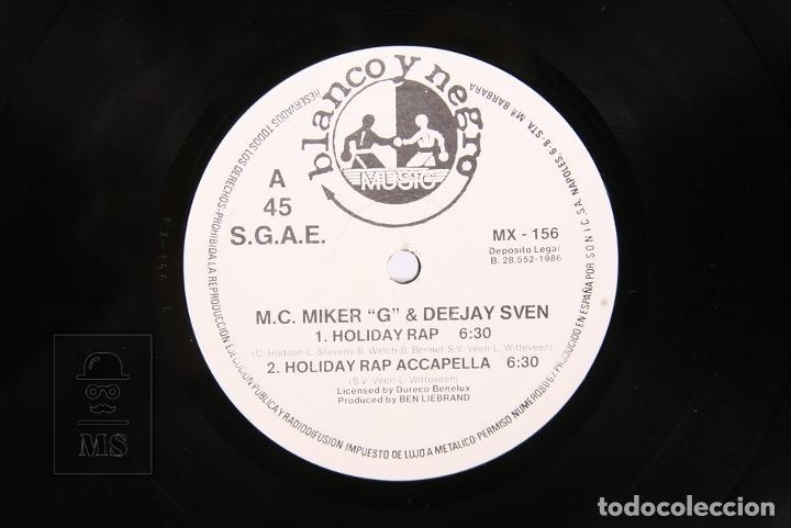 Discos de vinilo: Disco Maxi Single De Vinilo - Holiday Rap / M.C. Miker G & Deejay Sven - Blanco y Negro - Año 1986 - Foto 2 - 194489725