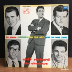 Discos de vinilo: CLIFF RICHARD / THE SHADOWS - THIS HAMMER / CONSTANTLY / TRUE, TRUE LOVIN' / THEME FOR YOUNG (D:NM). Lote 194569702