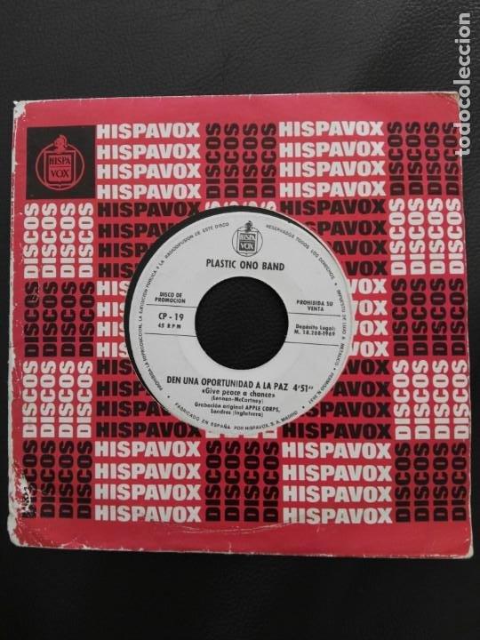 SINGLE PROMOCIONAL PLASTIC ONO BAND JOHN LENNON HISPAVOX 1969-GIVE PEACE A CHANCE BEATLES (Música - Discos - Singles Vinilo - Pop - Rock Extranjero de los 50 y 60)
