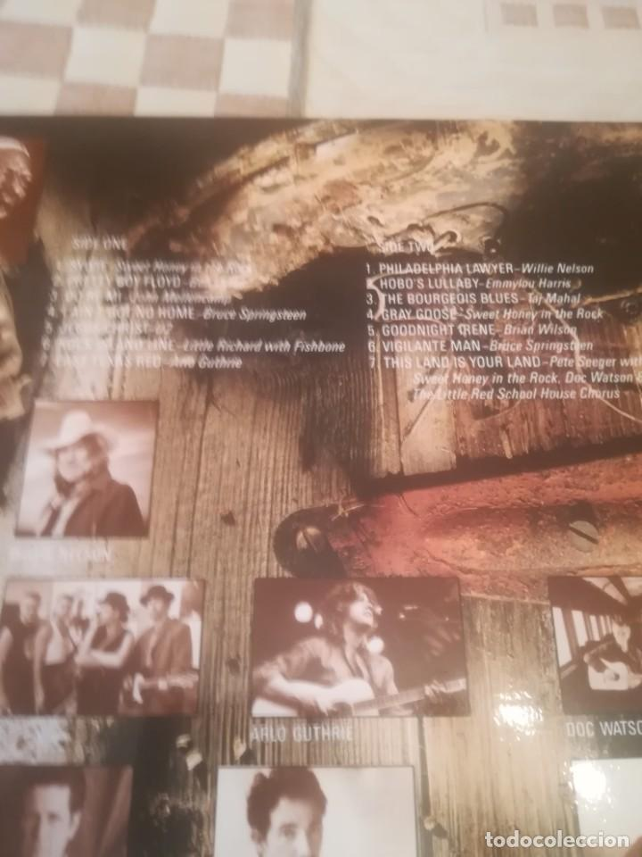 Discos de vinilo: A Vision Shared.A Tribute To Woody Guthrie And Leadbelly Bob Dylan...CBS 460905 1.España 1988.Nuevo. - Foto 3 - 194595697
