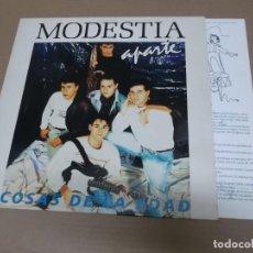 Discos de vinilo: MODESTIA APARTE (LP) COSAS DE LA EDAD AÑO – 1990 – HOJA CON LETRAS. Lote 194634780