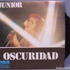 Discos de vinilo: SINGLE. JUNIOR. OSCURIDAD. Lote 194731693