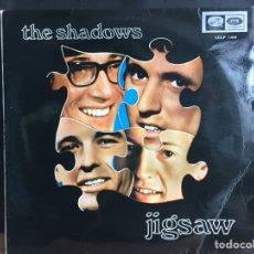 Discos de vinilo: THE SHADOWS - JIGSAW (LP, ALBUM) (LA VOZ DE SU AMO) (D:NM). Lote 194860117