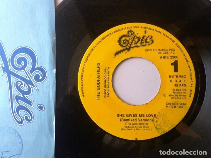 THE GODFATHERS / SHE GIVES ME LOVE / SINGLE 7 INCH (Música - Discos de Vinilo - Singles - Pop - Rock Extranjero de los 80)