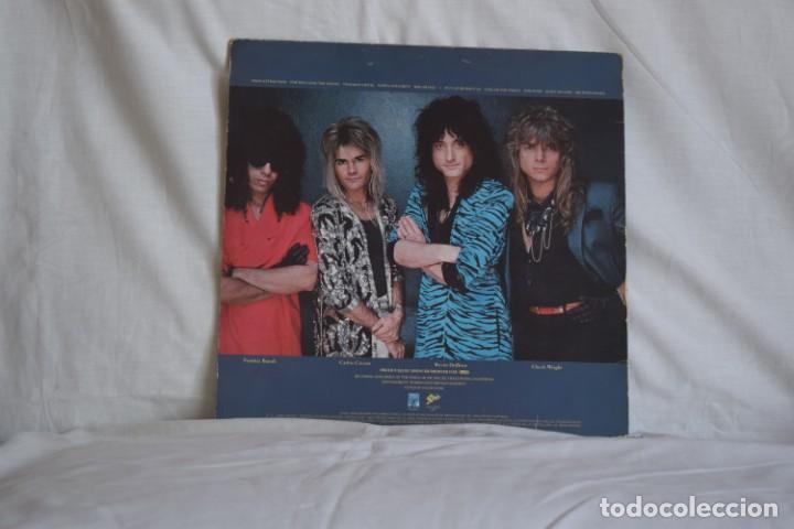 Discos de vinilo: QUIET RIOT QR III LP 1986 - Foto 2 - 194890313