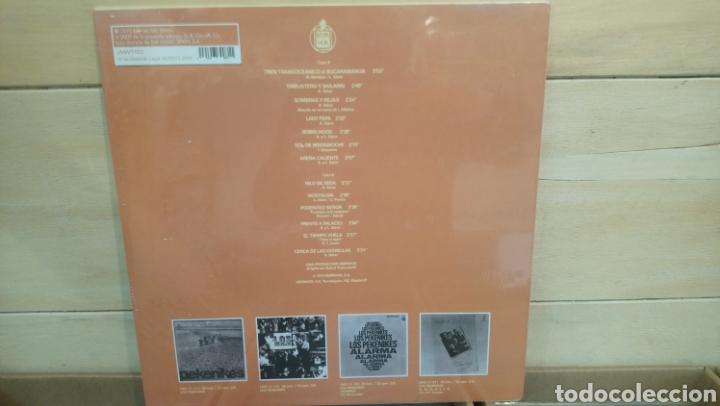 Discos de vinilo: Lo mejor de pekenikes. Lp vinilo edición 2009 precintado. - Foto 2 - 194924643