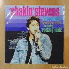 Discos de vinilo: SHAKIN STEVENS & THE SUNSETS FEATURING ROCKING LOUIE - GREATEST HITS - LP. Lote 195071668
