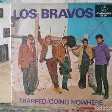 Discos de vinilo: ** LOS BRAVOS - TRAPPED / GOING NOWHERE - SINGLE 1966 - LEER DESCRIPCIÓN. Lote 195084367