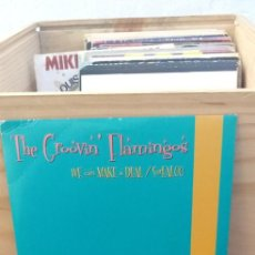 Discos de vinilo: THE GROOVIN FLAMINGOS WE CAN MAKE A DEAL / SURFALOO. Lote 195102033