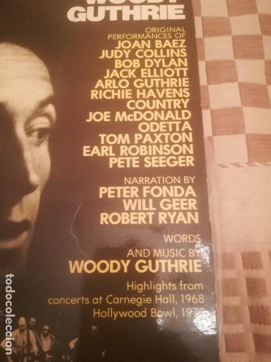 Discos de vinilo: A Tribute to Woody Guthrie. Joan Baez, Bob Dylan...Warner 500-193/194.España 1977. - Foto 3 - 195103300