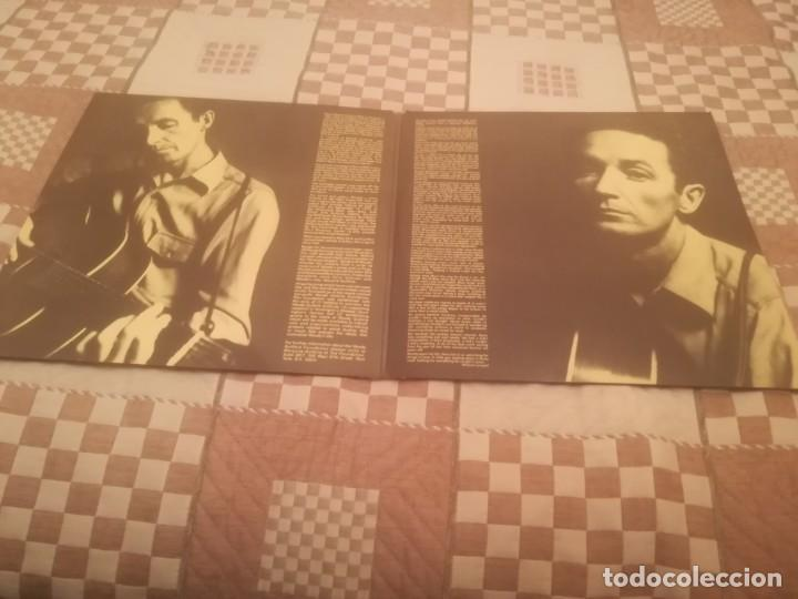 Discos de vinilo: A Tribute to Woody Guthrie. Joan Baez, Bob Dylan...Warner 500-193/194.España 1977. - Foto 4 - 195103300