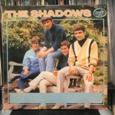 Discos de vinilo: THE SHADOWS – WALKIN' WITH THE SHADOWS. Lote 195116480