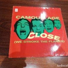 Discos de vinilo: CAMOUFLAGE-CLOSE( WE STROKE THE FLAMES). MAXI. Lote 195129342