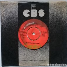 Discos de vinilo: RIGHTEOUS BROTHERS. DR. ROCK AND ROLL/ DREAM ON. CAPITOL, UK 1974 SINGLE. Lote 195148186