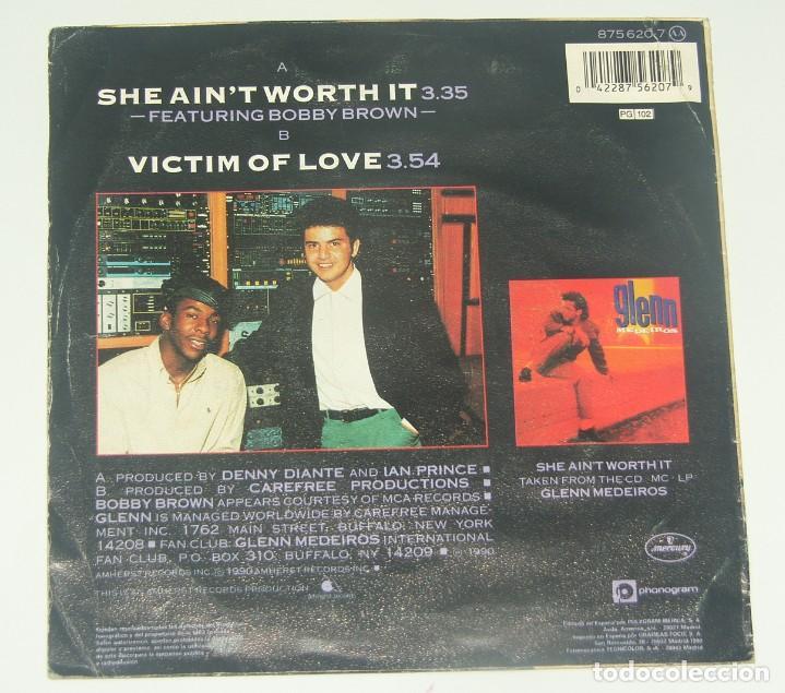 Discos de vinilo: Glenn Medeiros & Bobby Brown: She ain´t worth it, Single Mercury 875 620-7, Spain, 1990 - Foto 2 - 195202105