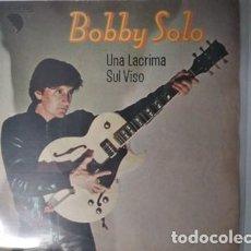 Disques de vinyle: BOBBY SOLO - UNA LACRIMA SUL VISO / FAMILY LIFE. Lote 195202986