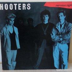 Discos de vinilo: HOOTERS - NERVOUS NIGHT C B S EDIC. HOLANDESA -1985. Lote 195226982
