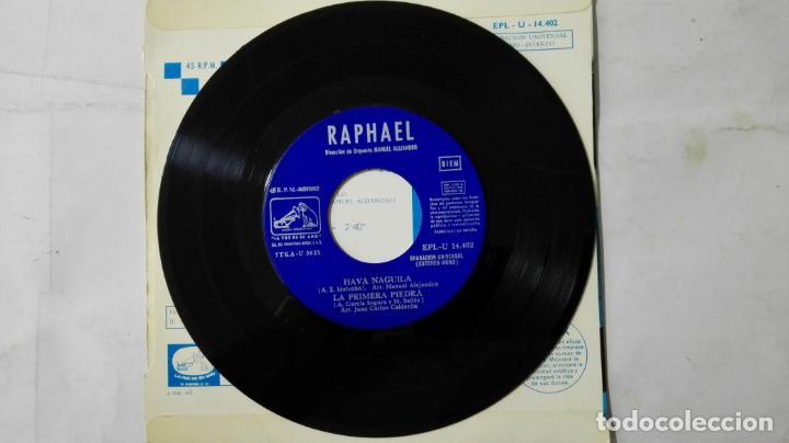Discos de vinilo: DISCO SINGLE - RAPHAEL, AVE MARIA-AL MARGEN DE LA VIDA-HAVA NAGUILA Y LA PRIMERA PIEDRA, AÑO 1968 - Foto 4 - 195296890
