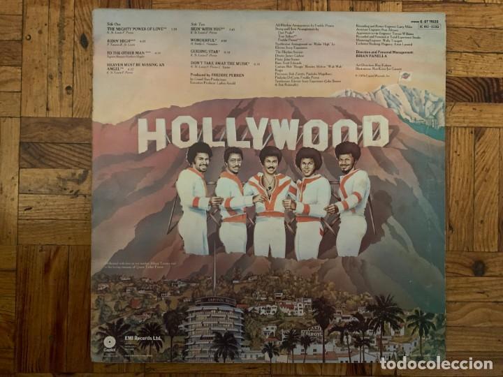 Discos de vinilo: Tavares – Sky-High! Sello: Capitol Records – E-ST 11533, Capitol Records – 0C 062 ◦ 82262 - Foto 2 - 195299717