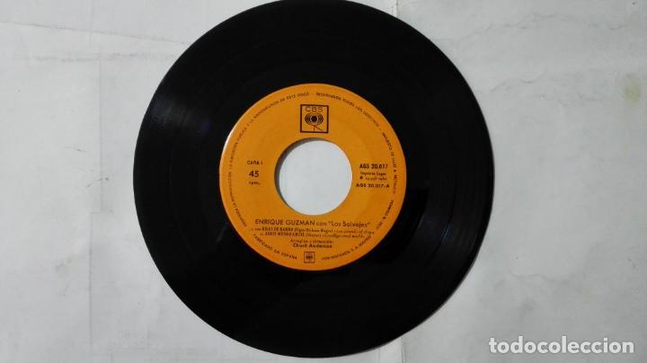 Discos de vinilo: DISCO SINGLE - ENRIQUE GUZMAN CON LOS SALVAJES, 100 KILOS DE BARRO Y TRES MAS, AÑO 1962, DISCOS CBS - Foto 3 - 195300090