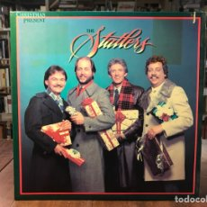 Discos de vinilo: THE STATLER BROTHERS - CHRISTMAS PRESENT. Lote 195323581