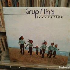 Discos de vinilo: GRUPO NINS - GRUPO NIN'S - TODO ES FLOR / UN ANGEL CON TEJANOS CBS 1975. Lote 195327647