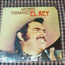 Discos de vinilo: VICENTE FERNANDEZ – EL REY / SI ACASO VUELVES,CBS – 3082, 1975, . Lote 195361635