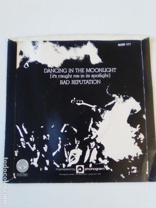 Discos de vinilo: THIN LIZZY Dancing in the moonlight / Bad reputation ( 1977 VERTIGO UK ) - Foto 2 - 195362652
