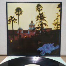 Discos de vinilo: EAGLES - HOTEL CALIFORNIA 1986 ( 1976 ) ED ALEMANA GATEFOLD CON ENCARTE. Lote 195392947