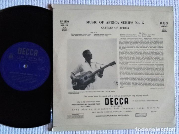Discos de vinilo: VARIOUS MUSIC OF AFRICA SERIES NO. 5 THE GUITARS OF AFRICA LP 10 1952 SOUTH AFRICA - Foto 2 - 195452047