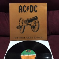 Discos de vinilo: AC/DC - FOR THOSE ABOUT TO ROCK (WE SALUTE YOU), LP GATEFOLD, REEDICIÓN, 1982, ESPAÑA. Lote 195478718