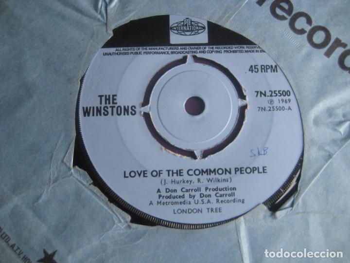 Discos de vinilo: The Winstons Sg PYE 1969 Love Of The Common People / Wheel Of Fortune FUNK SOUL EDICION INGLESA - Foto 2 - 195507261
