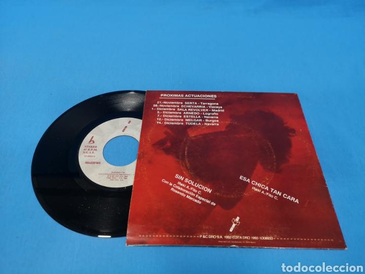 Discos de vinilo: DISCO SINGLE, PLATERO Y TU, Sin solución, Esa chica tan cara - Foto 2 - 195714013