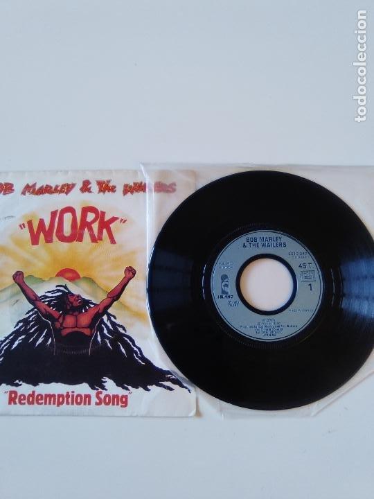 Discos de vinilo: BOB MARLEY & THE WAILERS Work / Redemption song ( 1980 ISLAND FRANCE ) - Foto 3 - 196078410